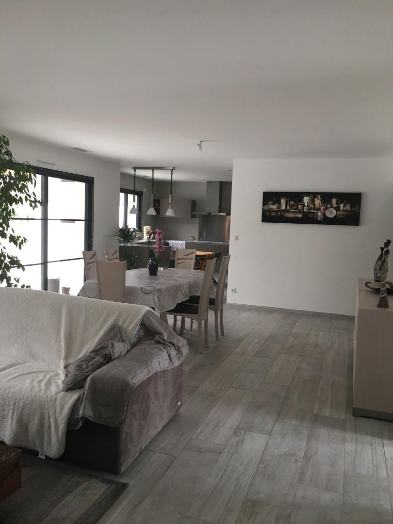 Construction de salon séjour chauffage pac air gainable près de Bordeaux