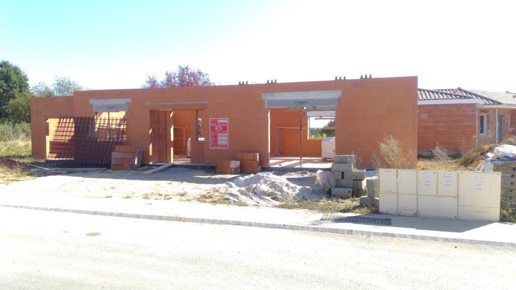 Construction du projet toit plat près à Tresses